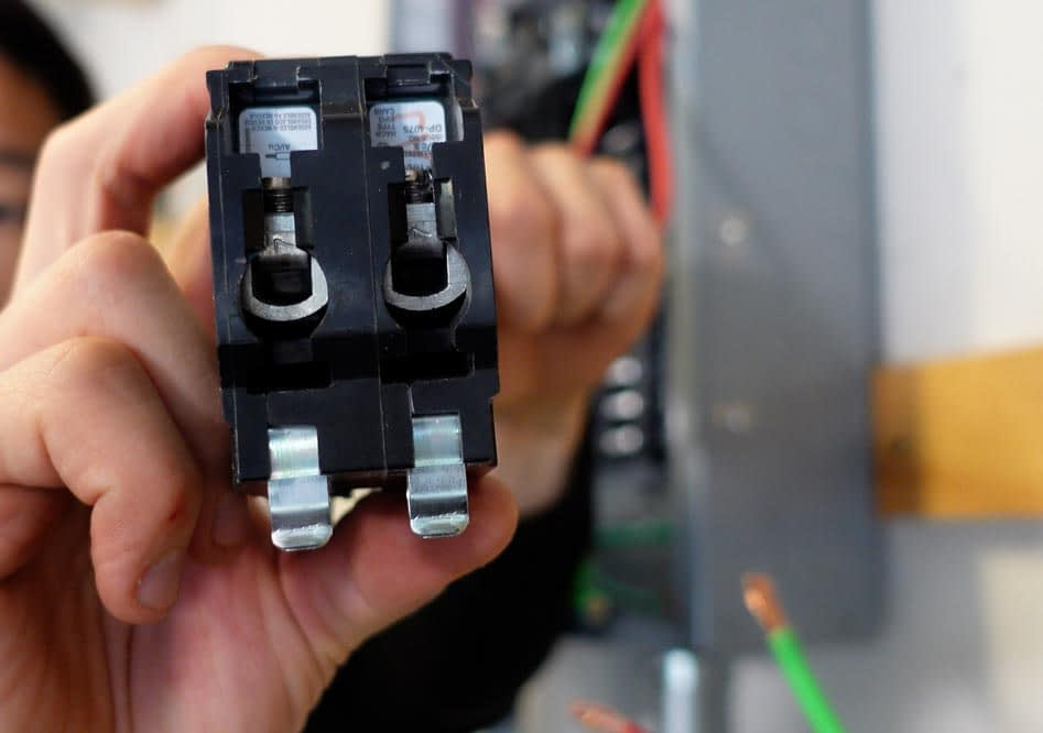 tesla install screw terminals on 60 amp breaker